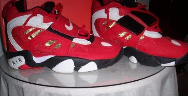 Nike Air DT2