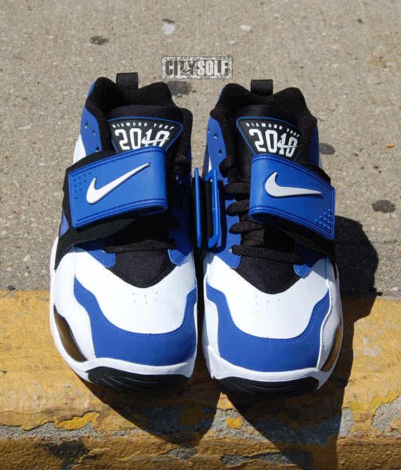 32a29ff2d5 Nike Air Diamond Turf- White/Black/Varsity Royal – KicksandThings