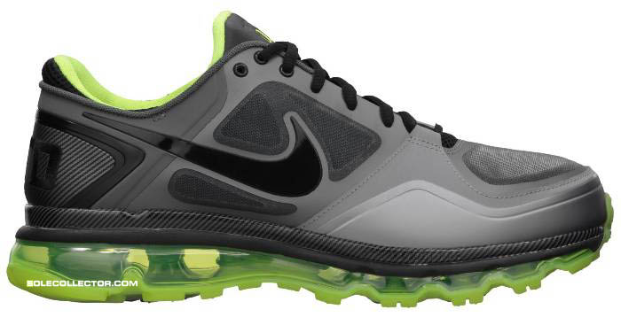 ... Nike Trainer Max 1.3 and Nike Zoom Alpha Talon & Nike Zoom Vapor Carbon  Fly cleats for the Ducks. Check out the photos below courtesy of Sole  Collector.