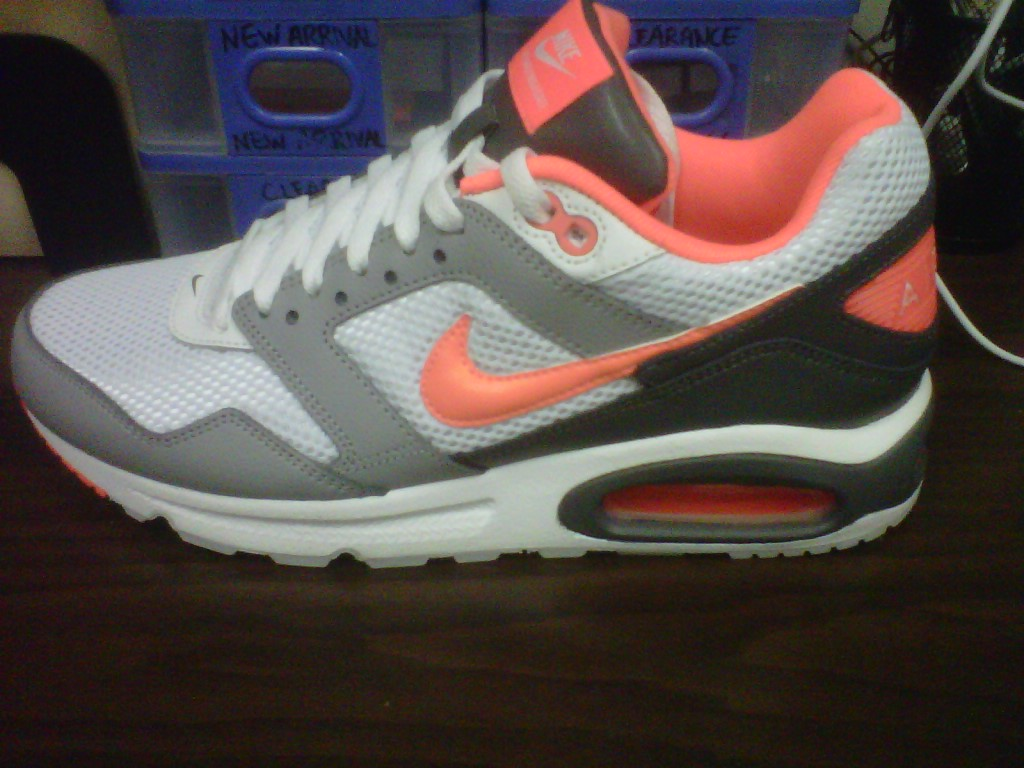 Nike Air Max Navigate Edition Running Training Sz 7.5