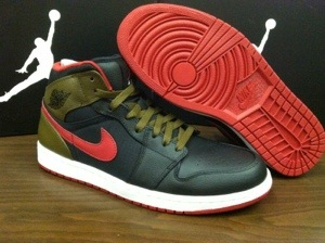 137e96b89eac9c In the Stores  Air Jordan 1 Phat-  Olive  – KicksandThings